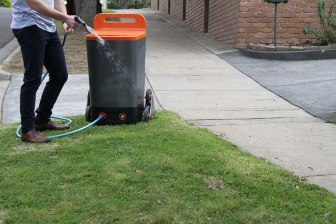 20141130su-grey-water-wagon-lawn-grass-garden-repurpose