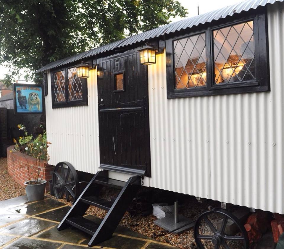 Shepherd Hut Floor Plans: 20141206sa-shepherds-hut-wagon-retreat-tiny-house-exterior
