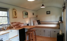 20141206sa-shepherds-hut-wagon-retreat-tiny-house-interior-example-001