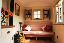 20141206sa-shepherds-hut-wagon-retreat-tiny-house-interior-example-007