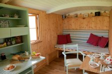 20141206sa-shepherds-hut-wagon-retreat-tiny-house-interior-example-008
